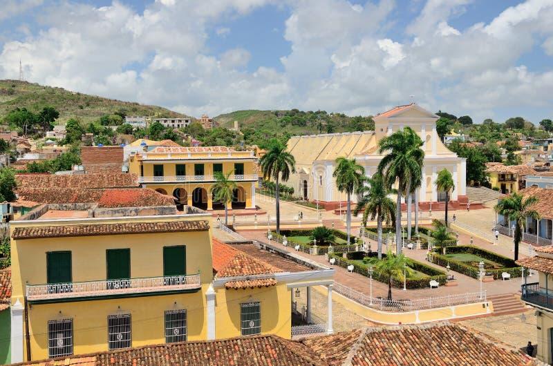 Vue des toits et de la place de ville Le Trinidad, Cuba photographie stock libre de droits