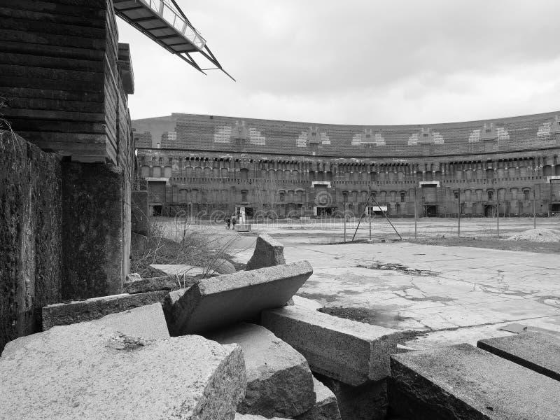 Vue dramatique de blocaille à l'intérieur de la cour de cour de l'ancien bâtiment du congrès de Nazi Party images stock