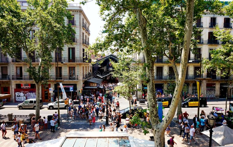 Vue du ` antique de Boqueria de ` du marché et de la La Rambla à Barcelone photo stock