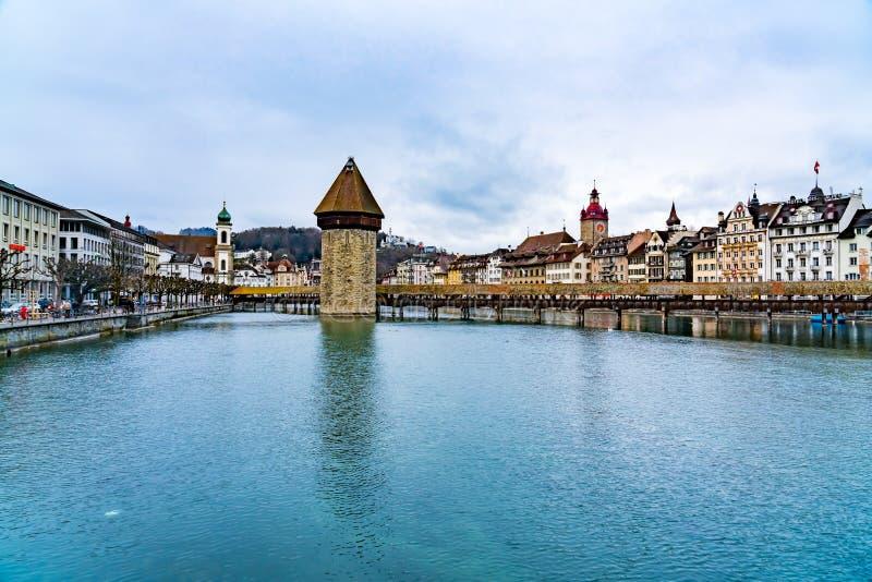 Vue du bâtiment européen de la vieille ville historique de Lucern photos stock