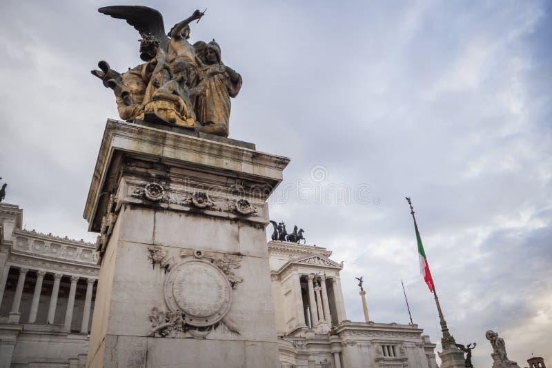 Vue du beau monument de Vittorio Emanuele II à Rome photos stock