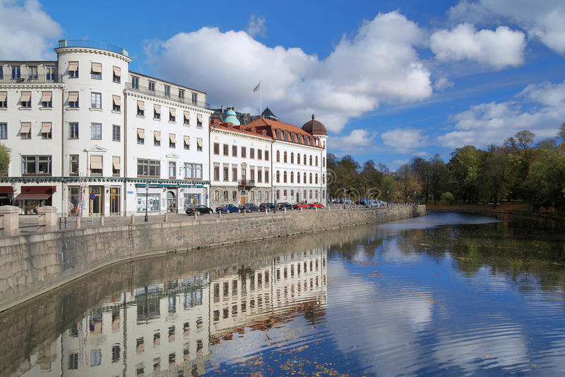 Vue du canal de Vallgraven à Gothenburg, Suède photographie stock libre de droits