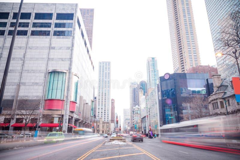 Vue du centre de secteur d'achats de Chicago de la rue photographie stock