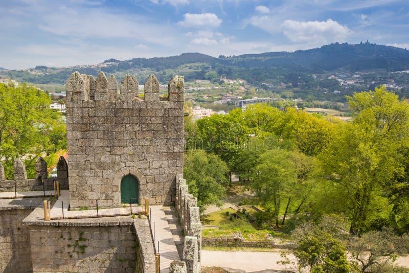Vue du château de Guimaraes photographie stock libre de droits