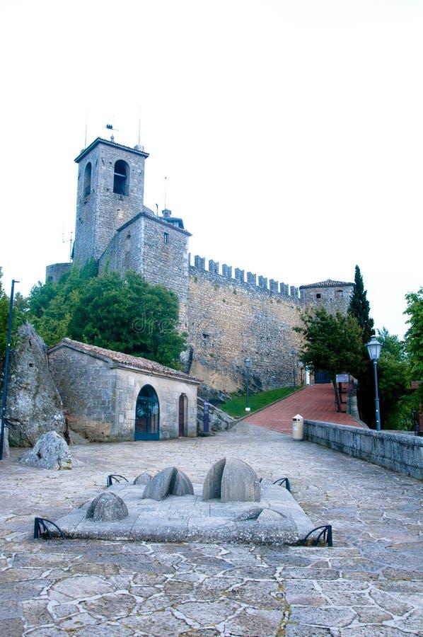 Download Vue Du Château De La République Du Saint-Marin Au Coucher Du Soleil Photo stock - Image du marino, crête: 76089696