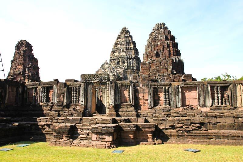 Vue du château historique de Prasat Hin Phimai photos stock