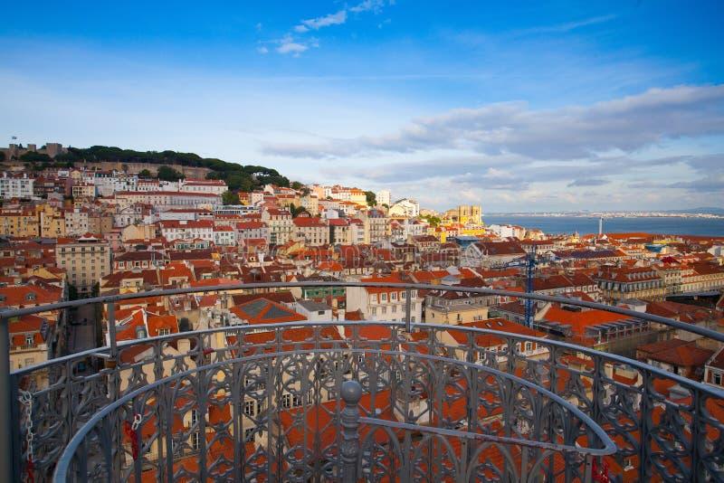 Vue du haut de l'ascenseur de Santa Justa sur Lisbonne photographie stock