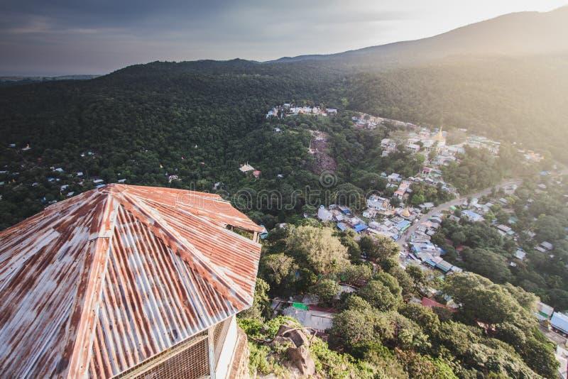 Vue du haut de paysage de montagne images stock
