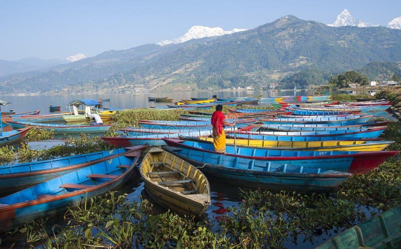 Vue du lac dans Pokhara image stock