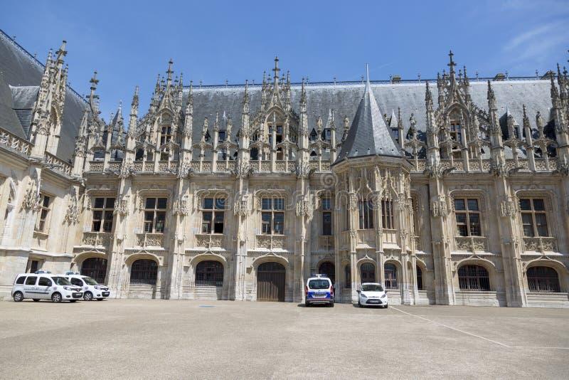 Vue du palais de la justice à Rouen photographie stock