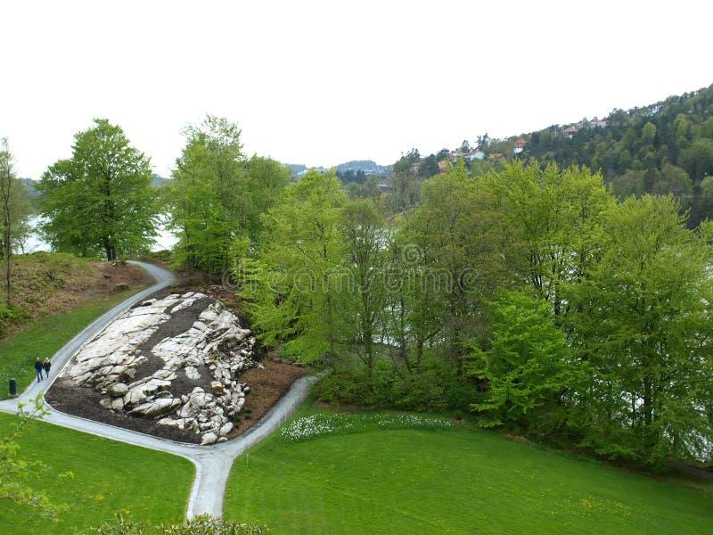 Vue du parc du château à Bergen photo stock