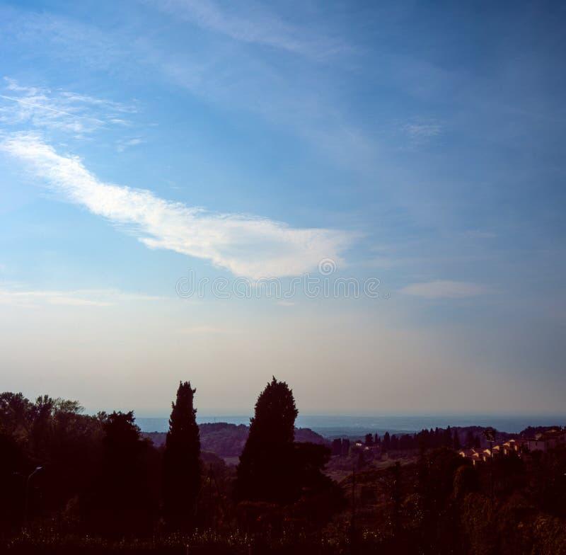 Vue du paysage de Maremma en Toscane avec la photographie de film de glissière - 1 photo stock