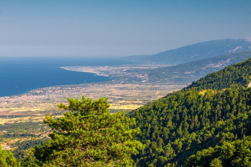 Vue du pied du mont Olympe sur la mer Égée, Grèce photographie stock libre de droits
