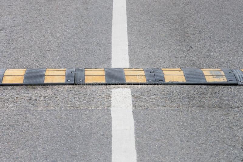 Vue du plan rapproché de bosse de vitesse photo libre de droits