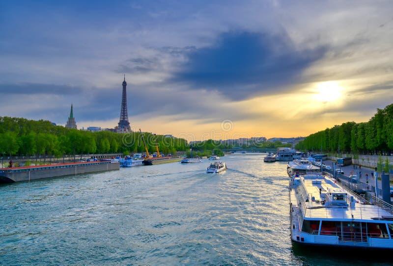 Vue du pont de Pont Alexandre III à Paris, France photos libres de droits