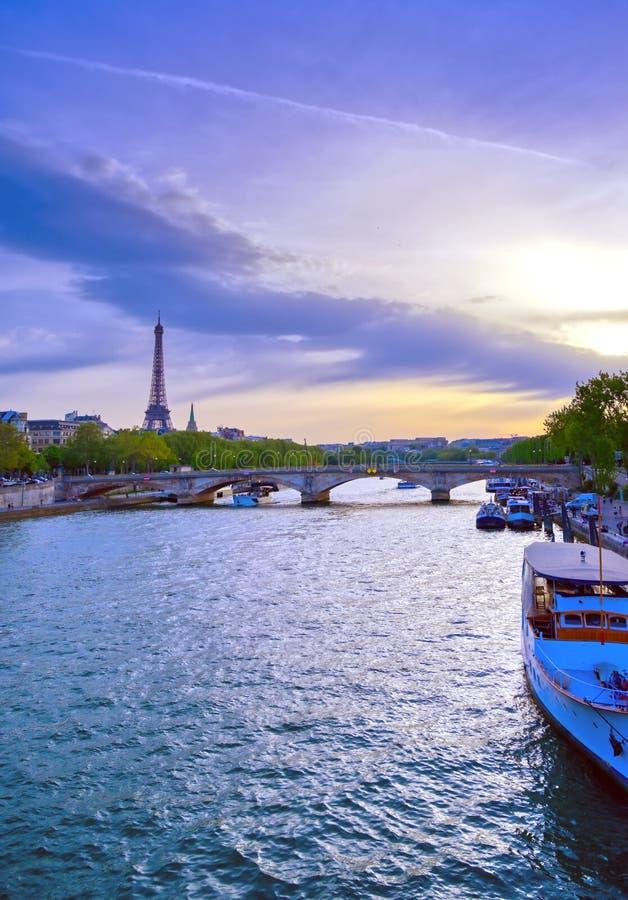 Vue du pont de Pont Alexandre III à Paris, France images stock