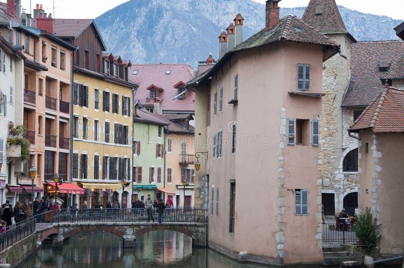 Vue du pont de la ville d'Annecy photographie stock