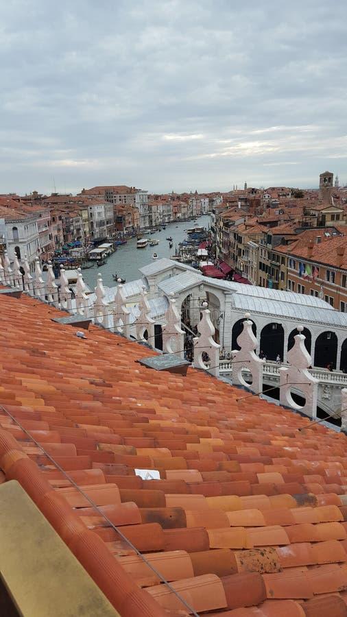 Vue du pont de rialto et du canal grand, Venise photo stock