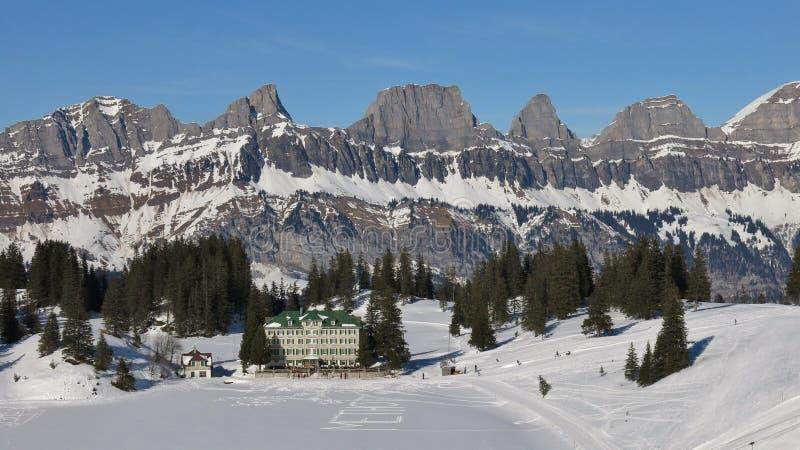 Download Vue Du Secteur De Ski De Flumserberg, Suisse Image stock - Image du paysage, intervalle: 76081735