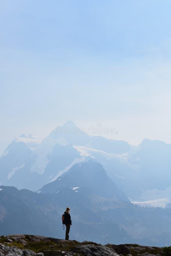 Vue du sommet de montagne photos libres de droits