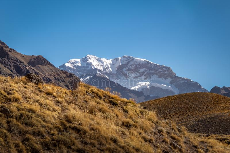 Vue du sud de mur de l'Aconcagua de parc provincial de l'Aconcagua dans la visibilité directe les Andes de Cordillère De - la pro photos stock