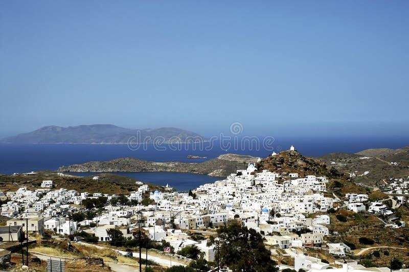 Vue du village de Chora en île d'IOS photographie stock