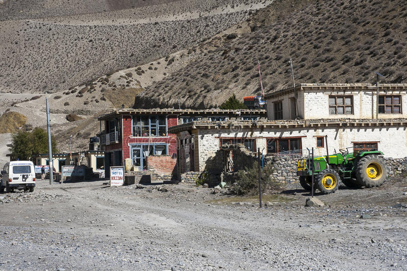 Vue du village Ekle Bhatti en Himalaya image libre de droits