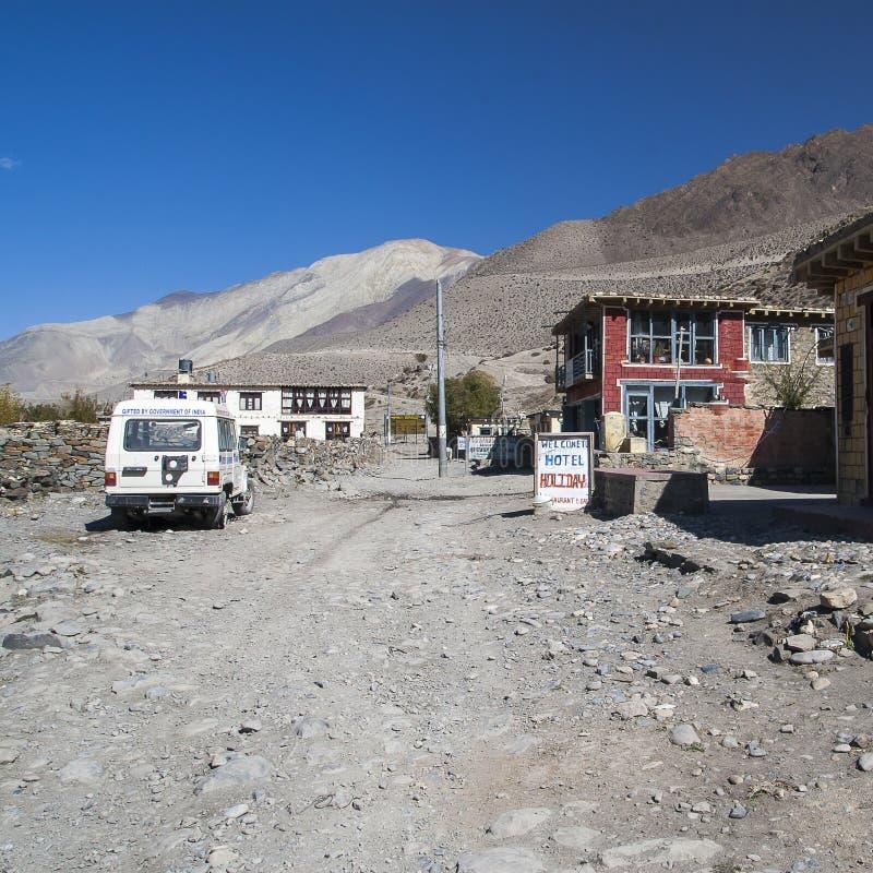 Vue du village Ekle Bhatti en Himalaya photographie stock