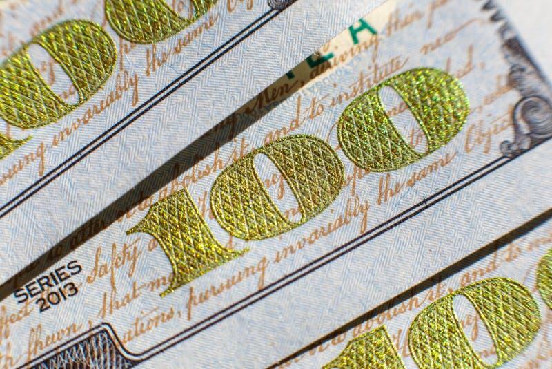 Vue en gros plan sur cent billets d'un dollar Macro vue sur cent billets de banque du dollar images stock