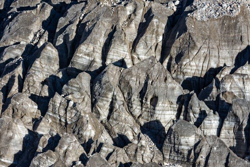 Vue en gros plan verticale de moraine de glacier de camp de base d'Annapurna, Himalaya photos stock