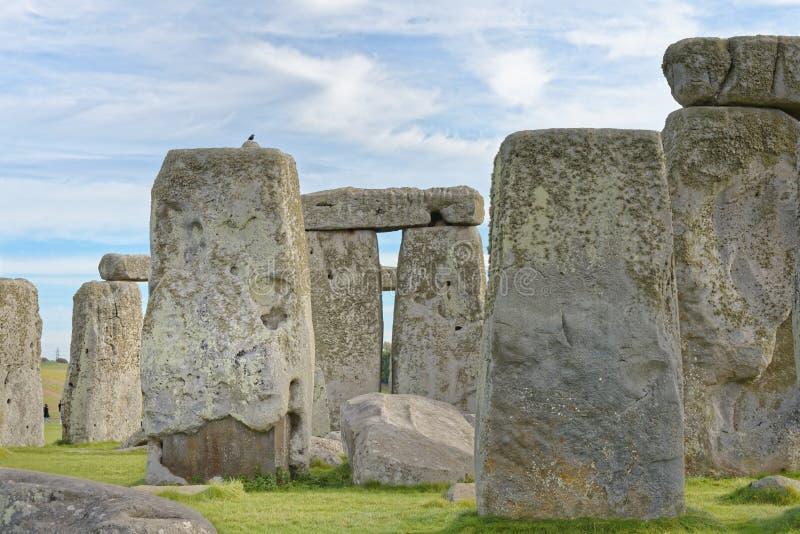 Vue en pierre de henge des pierres debout au coucher du soleil lumière païenne photos stock