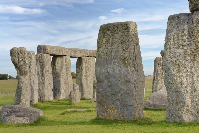 Vue en pierre de henge des pierres debout au coucher du soleil lumière païenne image libre de droits
