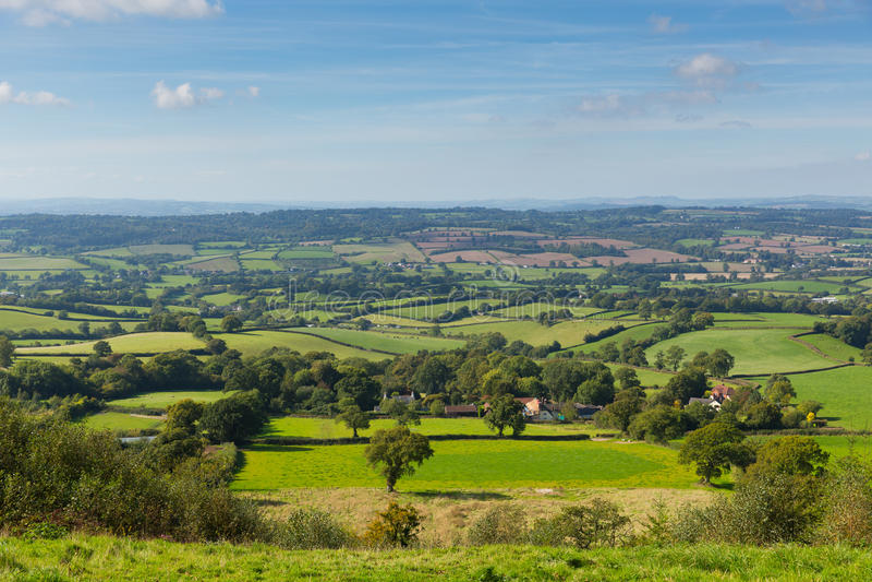 Vue est de campagne de Devon de collines de Blackdown de colline est près d'Ottery St Mary photographie stock