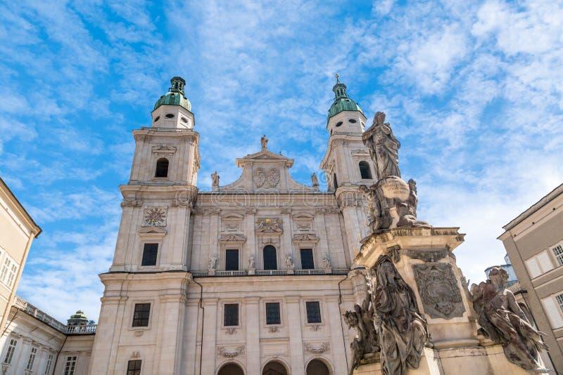 Vue extérieure de dôme de cathédrale de Salzbourg image stock
