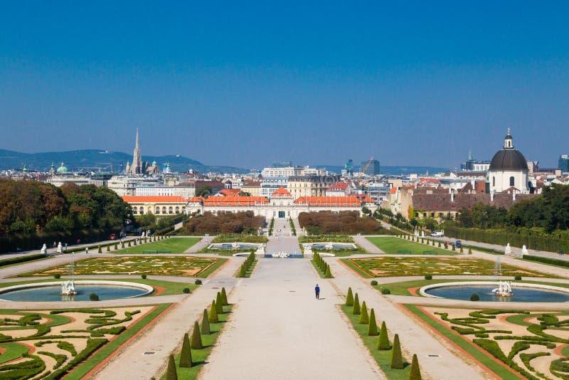 Vue extérieure de jardin de palais de belvédère de belvédère supérieur photos stock