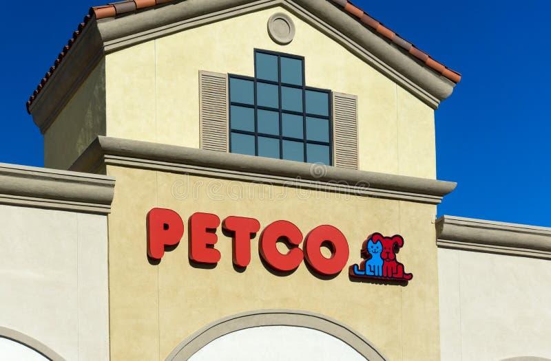 Vue extérieure de magasin de PetSmart photo libre de droits