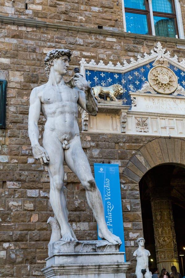 Vue extérieure du Palazzo Vecchio et sa copie de Michelangel image libre de droits