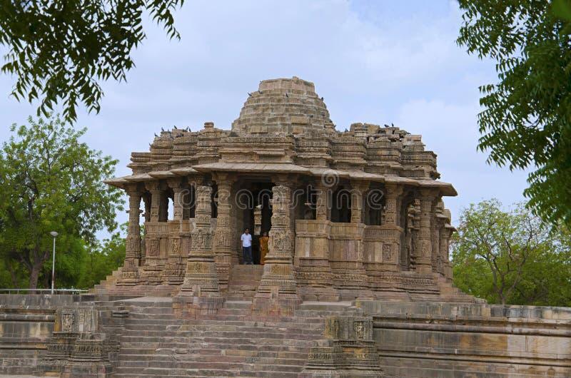 Vue externe du temple de Sun En 1026-27 ANNONCE construite pendant le règne de Bhima I de la dynastie de Chaulukya, Modhera, Mehs photos libres de droits