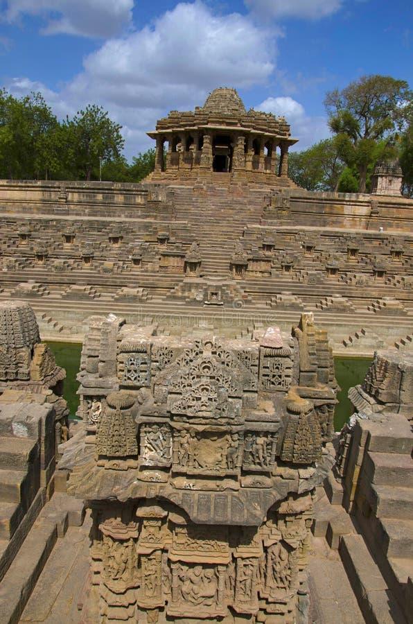 Vue externe du temple de Sun En 1026-27 ANNONCE construite pendant le règne de Bhima I de la dynastie de Chaulukya, Modhera, Mehs photo libre de droits