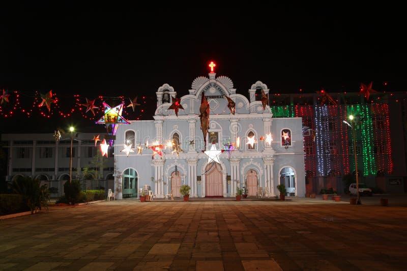 Vue frontale d'église de vintage décorée pendant des vacances dans Vasai, Bombay images libres de droits