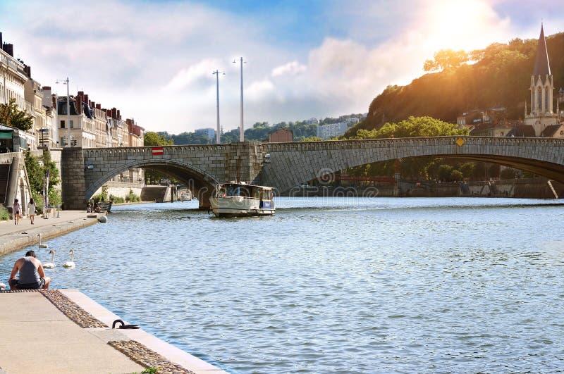 Vue générale de la Saône aux Frances de Lyon de coucher du soleil photos libres de droits
