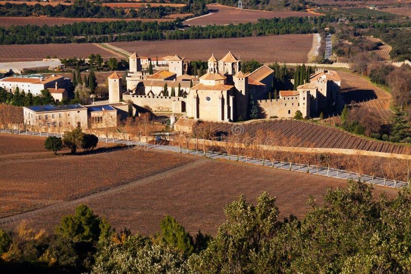 Vue générale de monastère de Poblet images stock