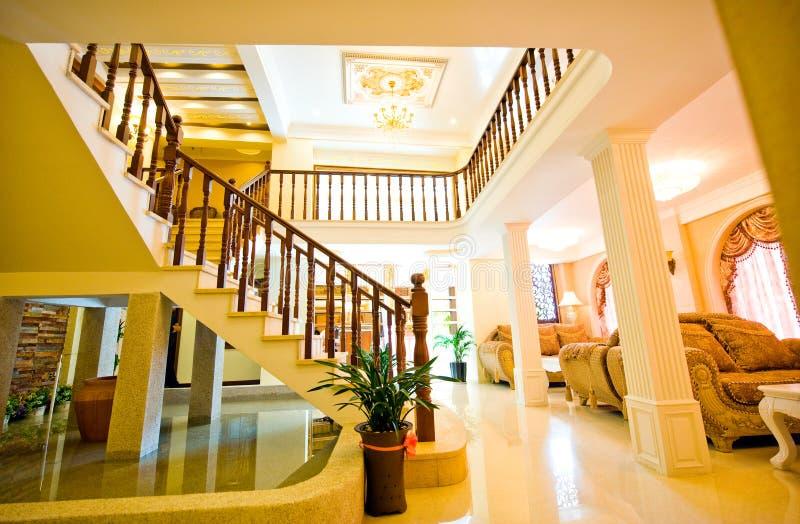 Vue grande d'une maison de luxe photos stock