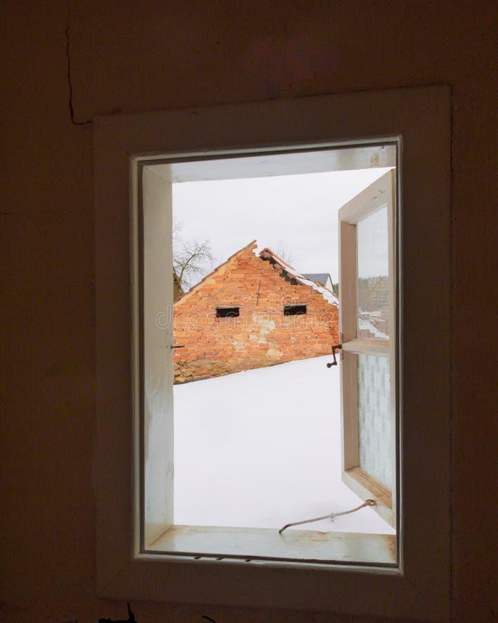 Vue hors d'une fenêtre images libres de droits