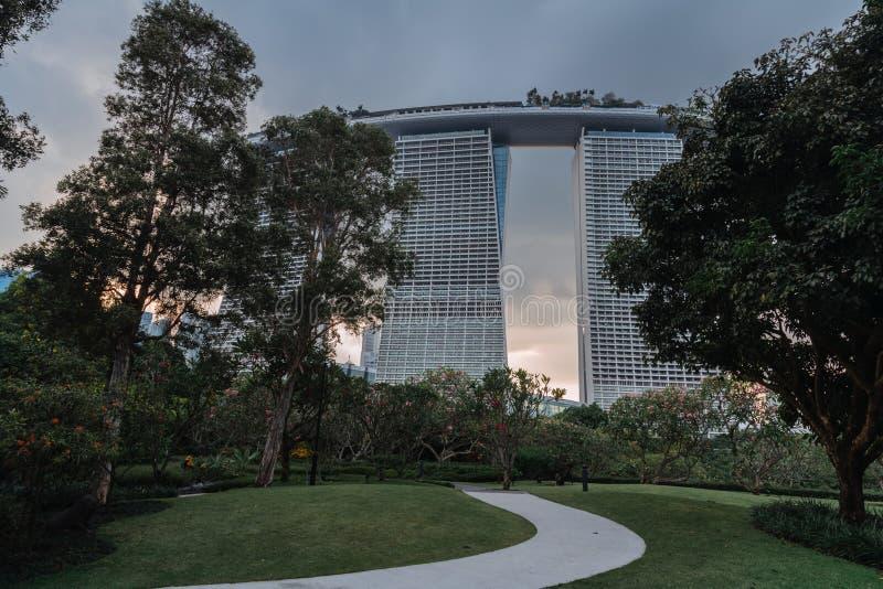 Vue incroyablement belle de la ville moderne Paysage urbain de la m?tropole asiatique B?timents et structures modernes Singapour photo stock