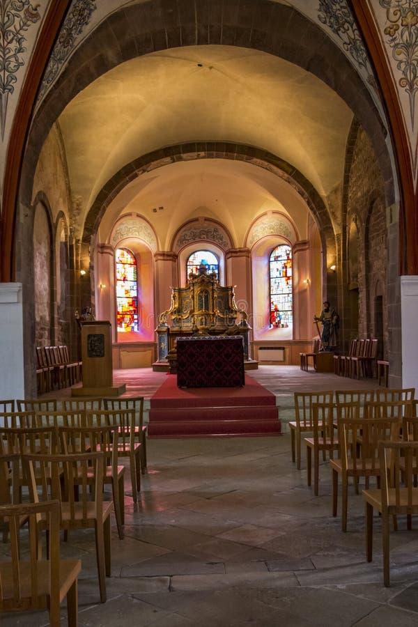 Vue intérieure de choeur de St Peter et de St Paul Church à Echternach, la ville la plus ancienne au Luxembourg photos stock