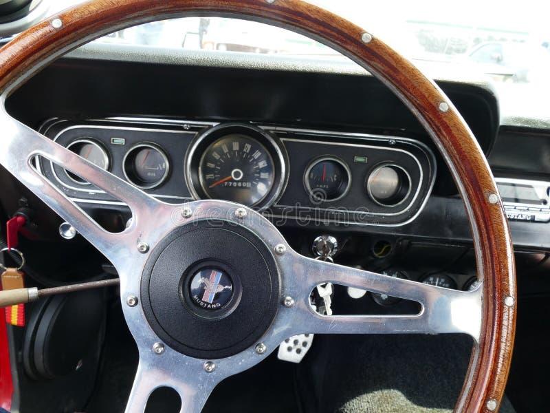 Vue intérieure de Ford Mustang construit en 1967 photo stock