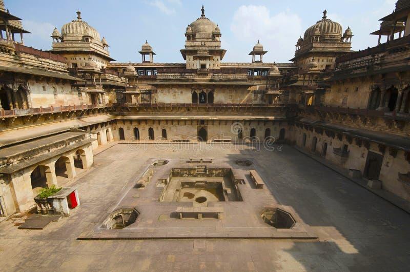 Vue intérieure de Jahangir Palace Complexe de fort de palais d'Orchha Orchha Madhya Pradesh photographie stock libre de droits