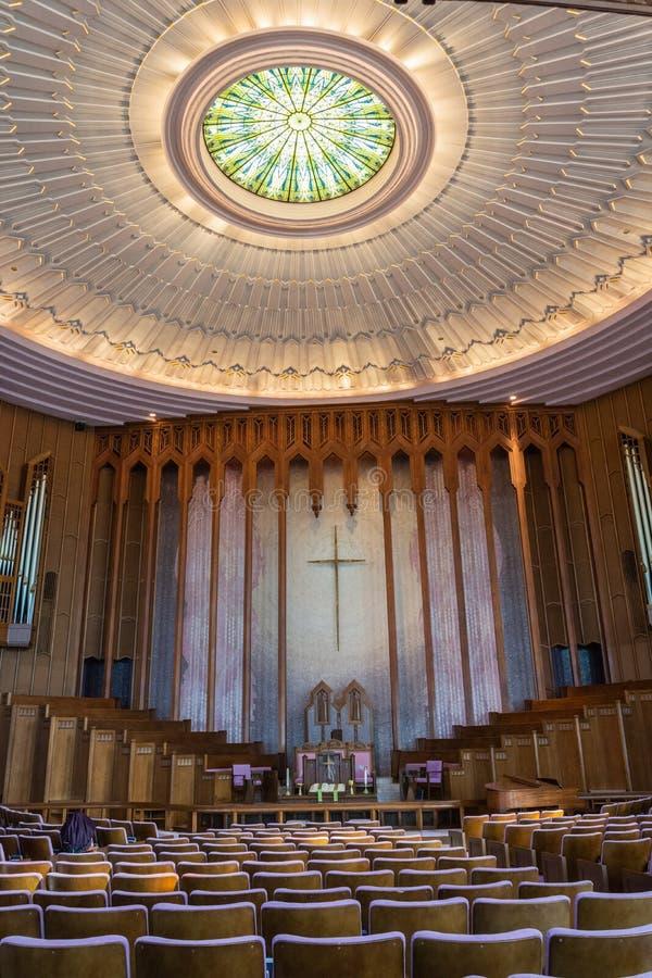 Vue intérieure de l'Église Méthodiste Unie d'avenue de Boston à Tulsa, CORRECTE photos libres de droits