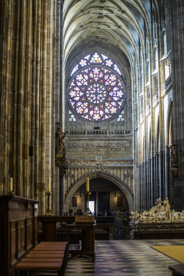 Vue intérieure de la cathédrale de StVitus à Prague images stock
